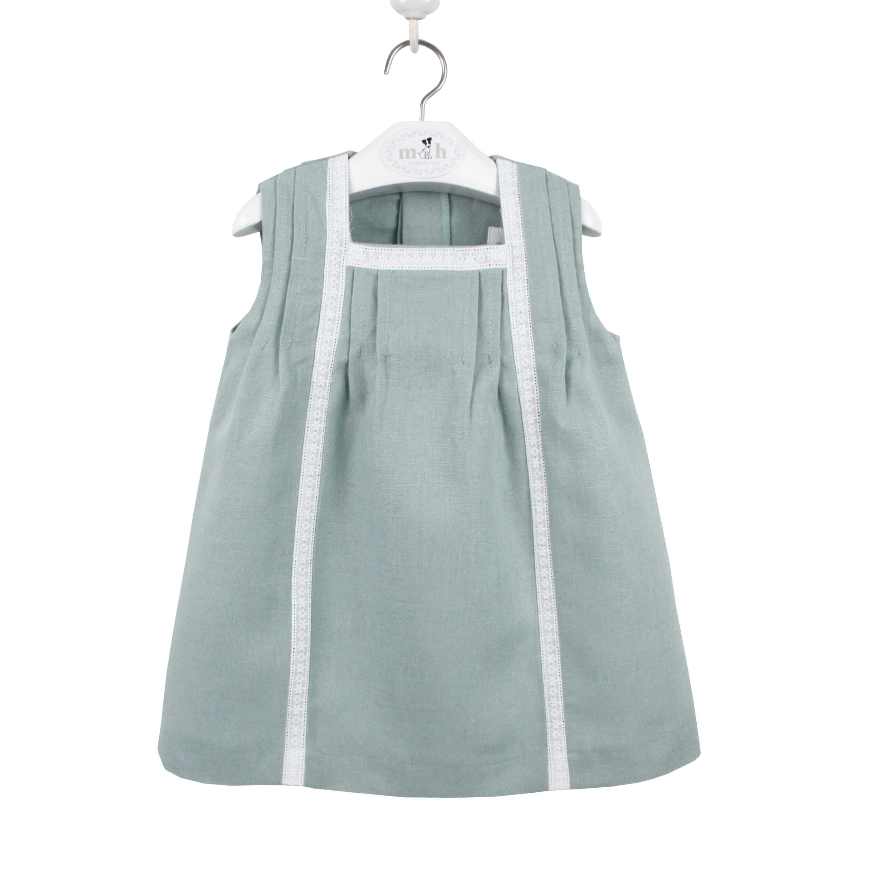 8275e617a4f Green girl linen dress with white lace. Model Maria