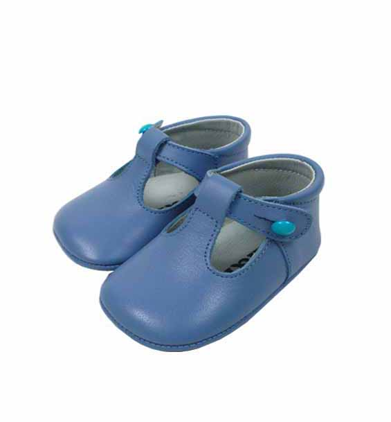 Soft leather baby shoes and born shoes